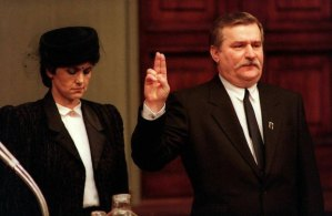 z10533177Q,22-12-1990---Zaprzysiezenie-Lecha-Walesy-na-prezyd