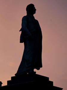 monument-1142774_1280