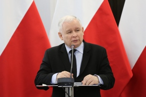 Jarosław_Kaczyński_przemawia_na_konferencji_naukowej_Konstytucja_Solidarności